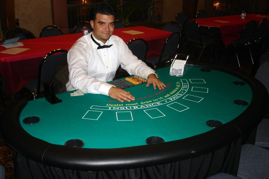 Blackjack dealer land based casino